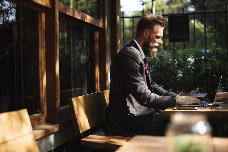 税理士がブログを作成する「メリット・デメリット」