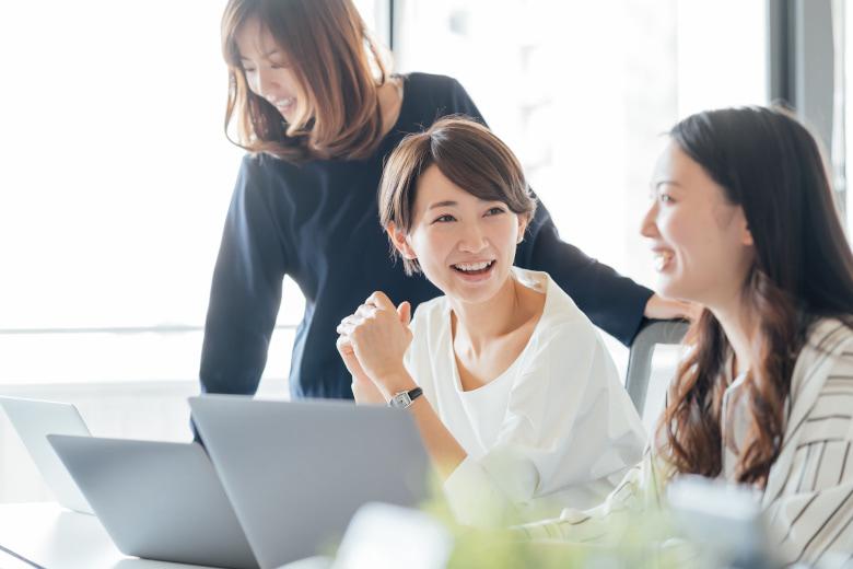 士業の男女比率 - 女性が多く働いているのはどの士業?