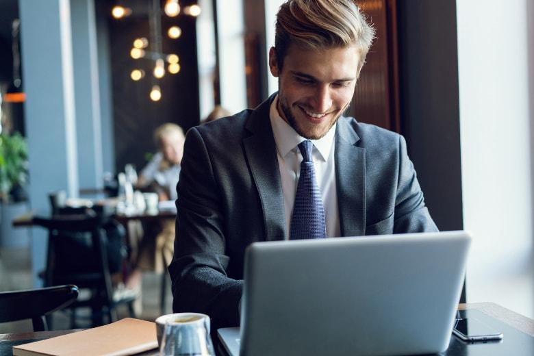 【テレワーク】働く場所の選択肢や、それぞれ利用時の注意点は?