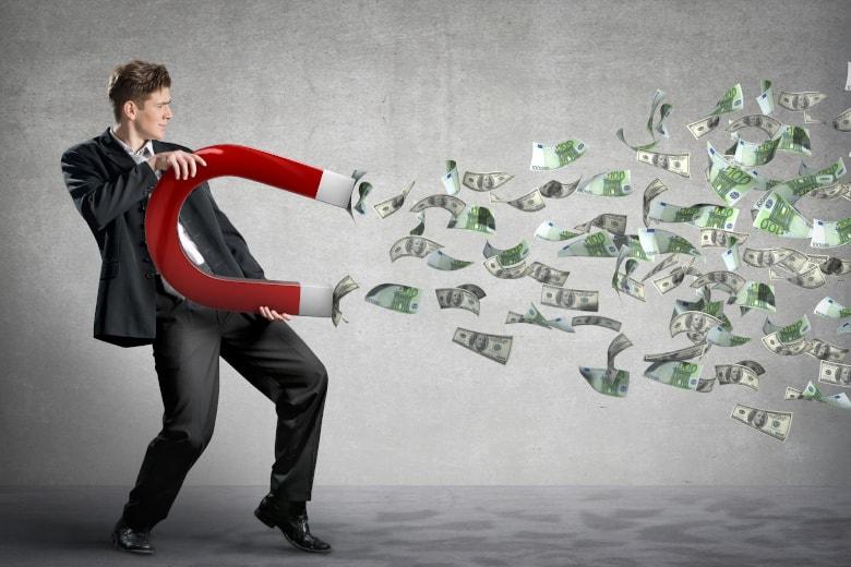 コロナの影響で、「現金確保」の動きはしばらく続く?