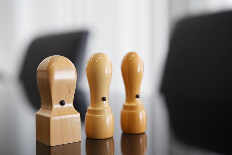 法人設立に必要な印鑑は、どんな種類や素材を選ぶべきか