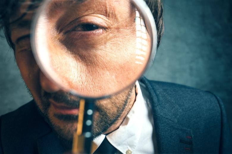 最近の個人向け税務調査のキーワード「富裕層」「海外」「ネット」「無申告」